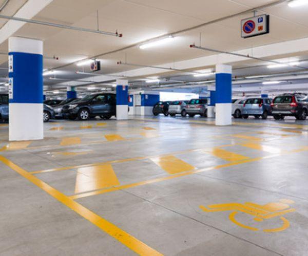 oznakowanie-poziome-garaze-parkingi-podziemneFF8D5678-6780-30D6-60B6-3B2CFDE1AE50.jpg
